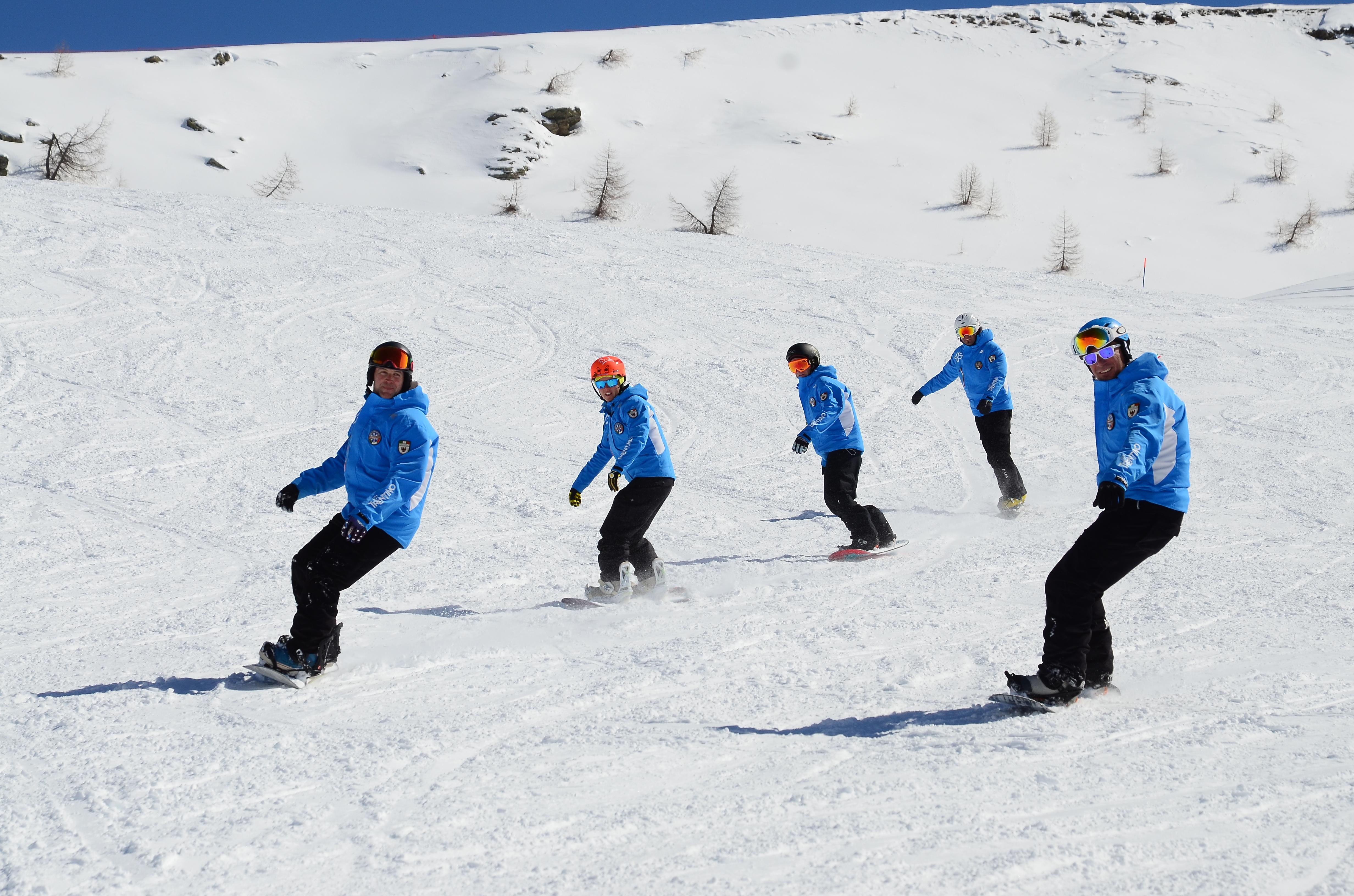 Lezioni di snowboard per adulti e bambini alla scuola sci di san martino - Costruire tavola da snowboard ...